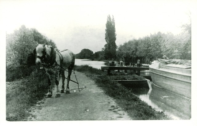 New Haw canal; c.1900