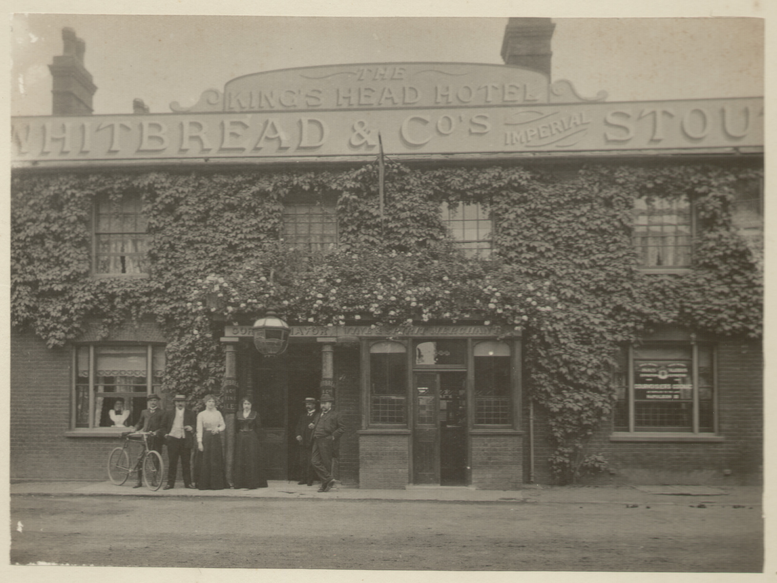 The King's Head pub, Egham, circa 1900-02